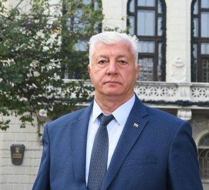 Здравко Димитров дарява една своя заплата на първото бебе на Пловдив за 2020-а