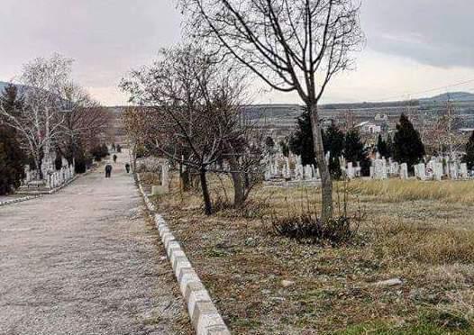 В Асеновград ще чистят гробищните паркове