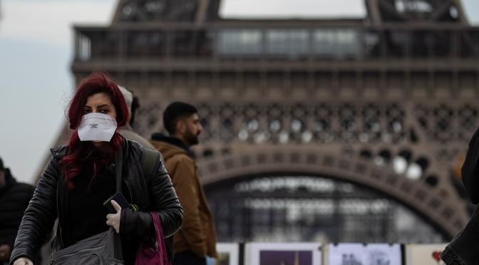 Франция е конфискувала маски, предназначени за Испания и Италия