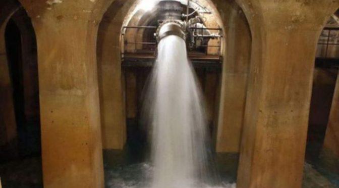 Във водата за миене на улиците в Париж има следи от коронавирус