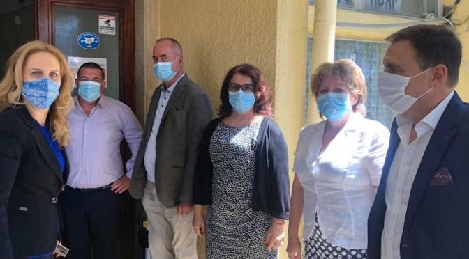 Марияна Николова днес е в Бургас, а утре във Варна