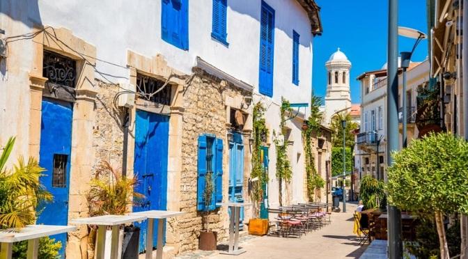 Кипър се отвори за туристите от 50 държави