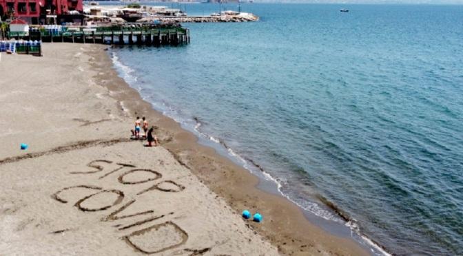 Руснаци описаха механизма за унищожаване на коронавируса на плажа