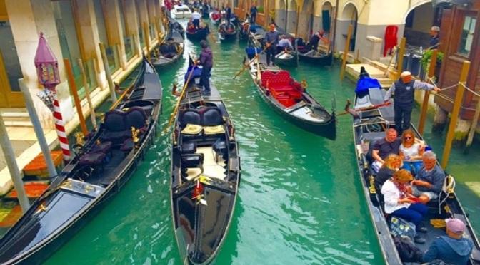 Венеция се ограничава за дебели туристи