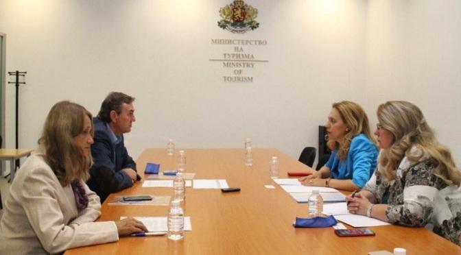 Марияна Николова проведе работна среща с Българската асоциация на експертите в туризма